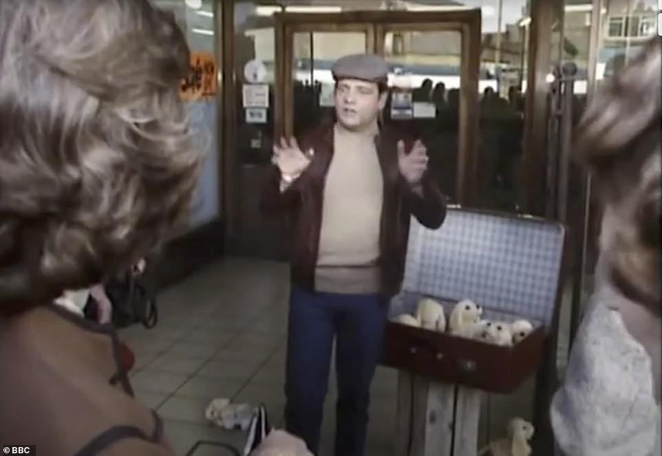 Del Boy selling from a suitcase